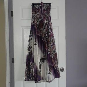 "Dresses & Skirts - Beautiful ""Silky"" Summer Maxi Dress, NBW"
